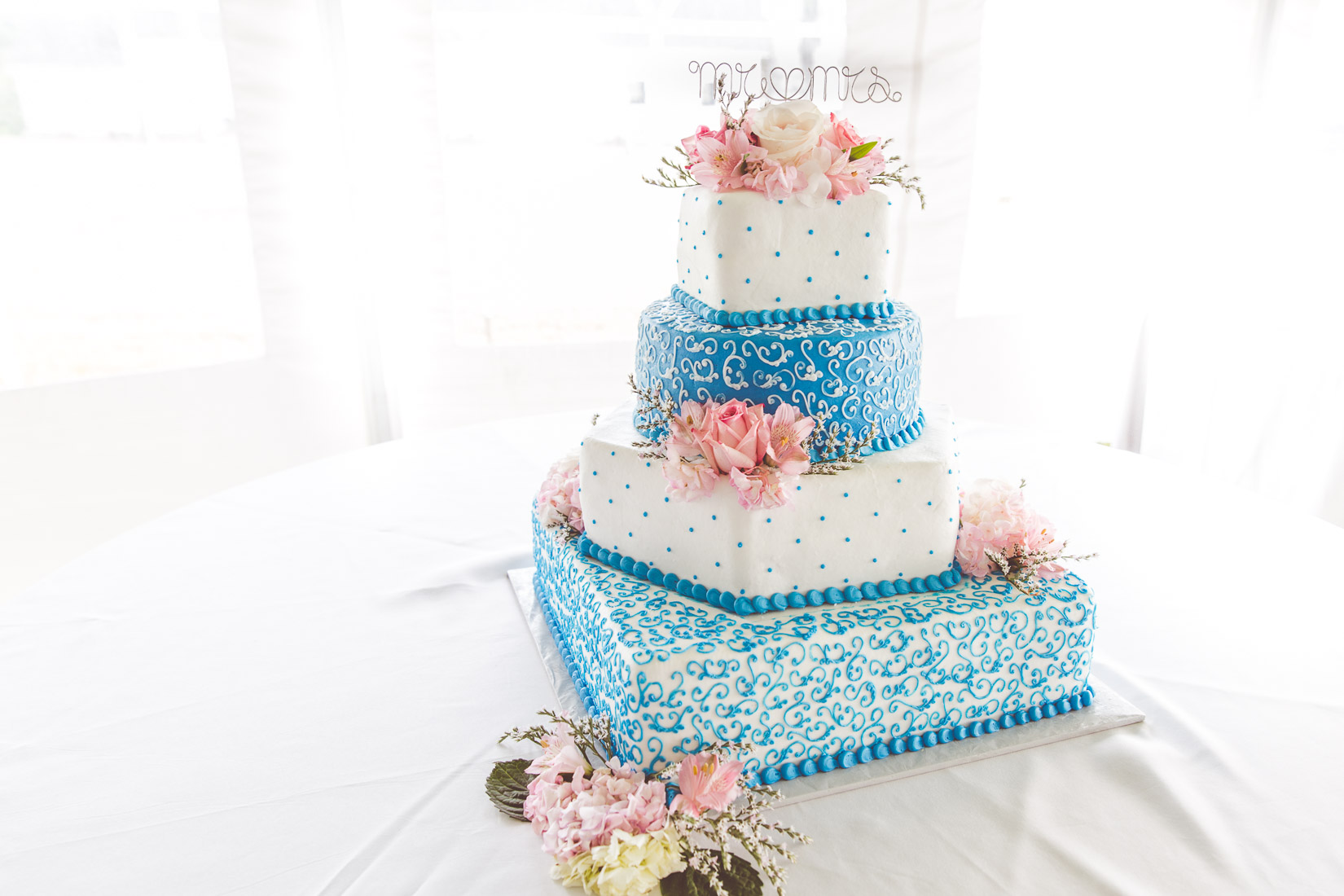 wedding-cake-blue-design